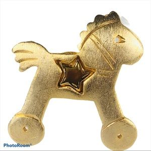 Vintage Toy Horse Star Gold Tone Ultra Craft Pin